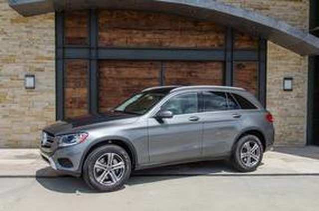 Pre owned 2018 mercedes benz glc glc 300 suv in sugar land for Mercedes benz sugarland careers